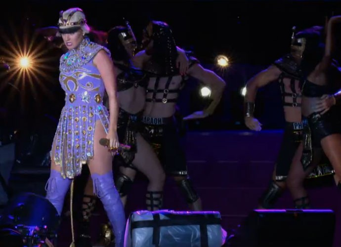 De Cleópatra, Katy Perry canta Dark Horse. Foto: Gshow