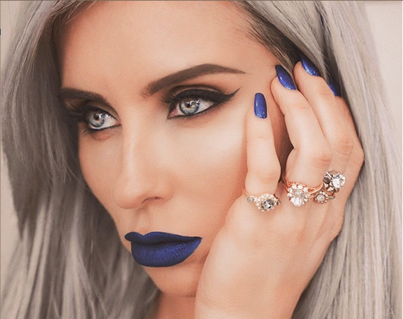 tendencia batom azul