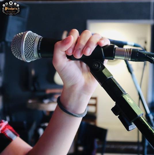 karaoke no pinhos butecaria