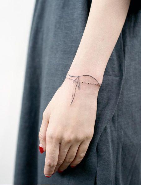 20 tatuagens estilo bracelete que vão ficar lindas em você