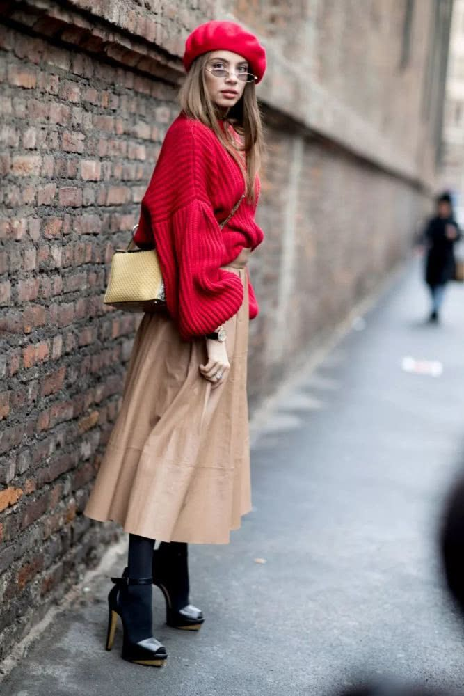 Big sweater + half skirt, is the most fashionable mix of autumn and winter   Page 7 of 32