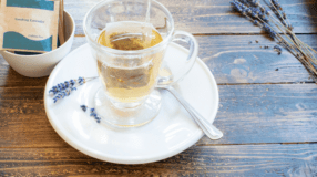Chá de alfazema: 10 poderosos benefícios dessa saborosa bebida