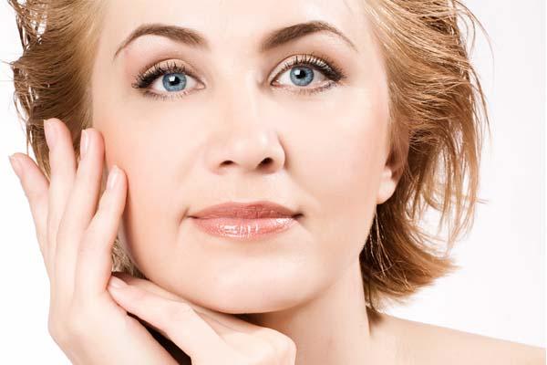 Dicas e truques de maquiagem para mulheres maduras   Dicas de Mulher