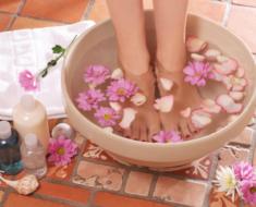 Escalda pés: benefícios, receitas e contraindicações