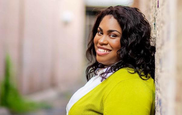 Escritoras contemporâneas que você precisa ler: Angie Thomas