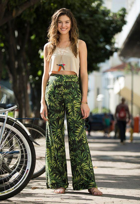 ESTILO GIRLBOSS: 25 looks com calça estampada para o summer office