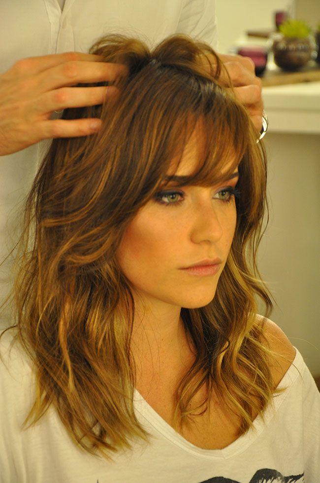 Fernanda Vasconcellos • Novo Look • franja e luzes delicadas