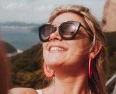 Legendas para fotos sorrindo: 65 frases radiantes!