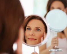 Maquiagem para parecer mais jovem   Dicas de Mulher