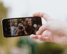 Poses para selfie: 20 dicas para tirar fotos com o celular