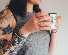 Tatuagem no ombro feminina: inspire se com lindas sugestões antes de fazer a sua!
